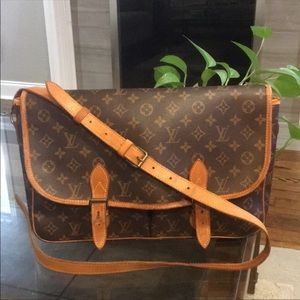 Authentic LV Gibeciere Shoulder bag